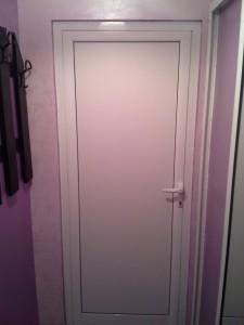 Алуминиева врата, студен профил, цвят бял, пълнеж - термопанел